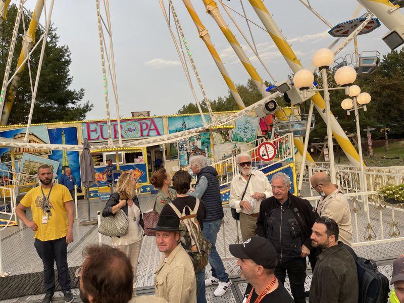 Die VIPs vor dem Riesenrad.